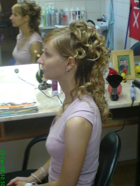 Iva+Milan  8.8.2008 - zkouška u paní holičky