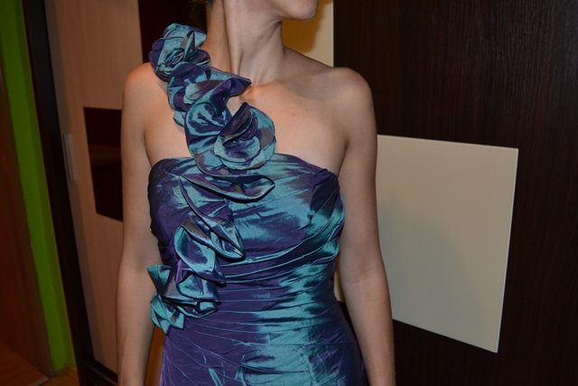 Spoločenské šaty oceľovozelenej farby 34-38 - 36 - Obrázok č. 3