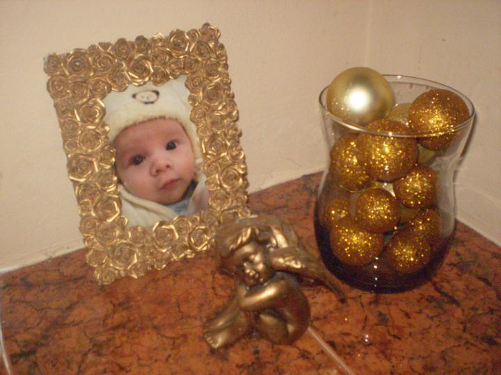 Náš starý domček - všade dávam k fotkám detí anielov - aby ich chránili