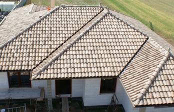 stecha je už konečne hotová aj s doplnkami :-)  aj s oknami je to zase o trošku iné...