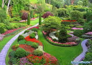tak toto je ideál.... takáto naša záhrada teda určite nebude, ale aj tak sa budem snažiť aby bola krásna - hlavne pre nás...