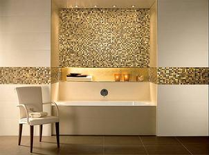 táto kombinácia by sa mi páčila - kupelka biela  doplnená zlatou mozaikou, ale musí to byť s citom...zlatá je príliš dekoratívna