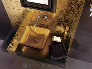 kombinácia zlatá a čierna je tiež velmi pekná...