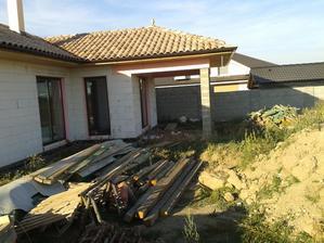 tak tuto sa pripravuje  na betonovanie zadná spálnová terasa :-)