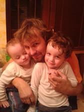 tatinko s našimi Chlapcami Filipkom a Dodinkom