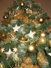 a tu sú tie nové ozdoby na stromčeku - nevydržala som a použila som už tento rok...