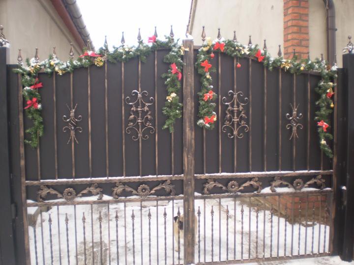 Náš starý domček - naša  brána