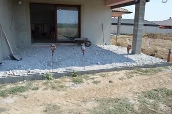 obývačková terasa čaká na beton