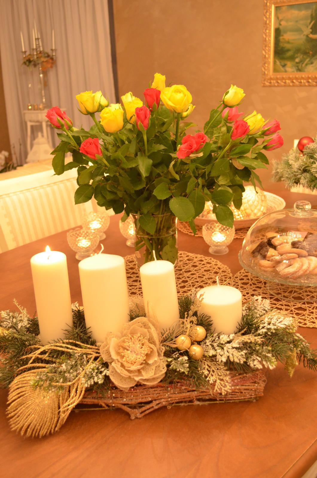Dom s nádychom provensál - krásnu prvú adventnú nedeľu prajeme :-)