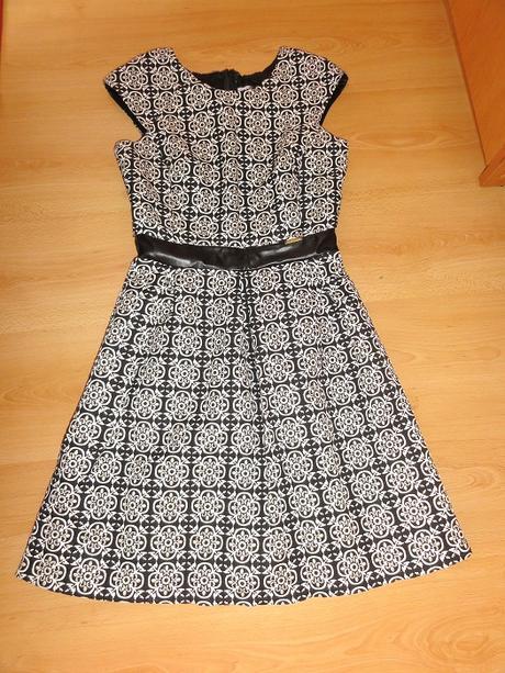Elegantne šaty - Obrázok č. 1