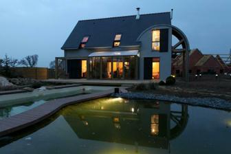 Bioklimatický dom na anglickom vidieku - http://zosveta.sk/index.php?option=com_content&view=article&id=264:bioklimaticky-dom-v-anglicku&catid=3:architektura&Itemid=7