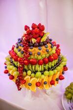 ovocie do sladkeho kutika robila Anicka Petrovcinova.... sikovna je ( toto je mala cast , nestihli sme spravit foto ;))