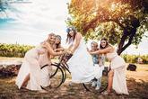 Na mém blogu na webu naleznete komplet nové album z nádherné moravské svatby Veroniky a Filipa: https://honzajezdik.com/blog/svatba-veronika-filip-rakvice