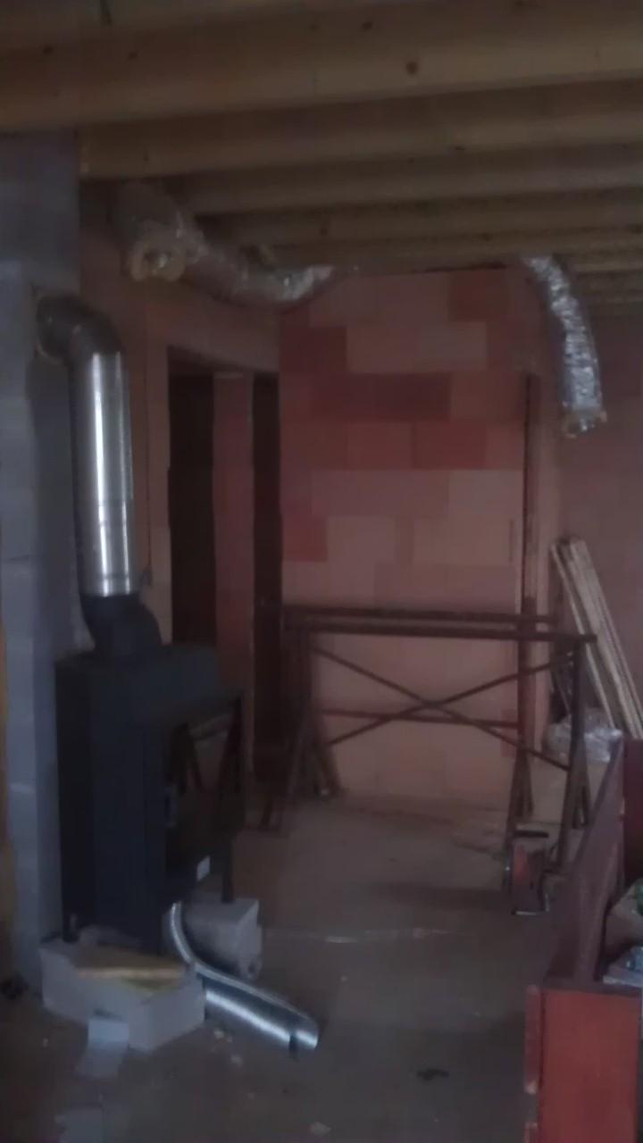 Práce v interiéru - nachystán vývod do druhého pokojíku