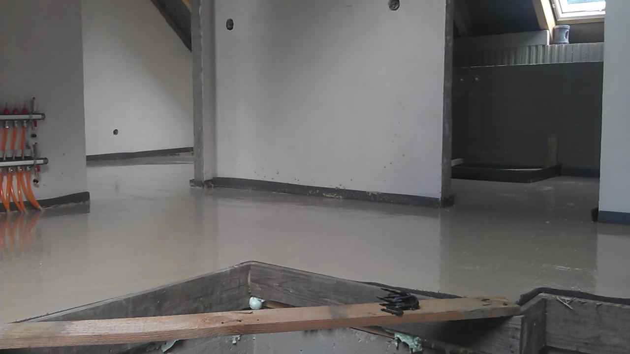 Práce v interiéru - podkroví hotové