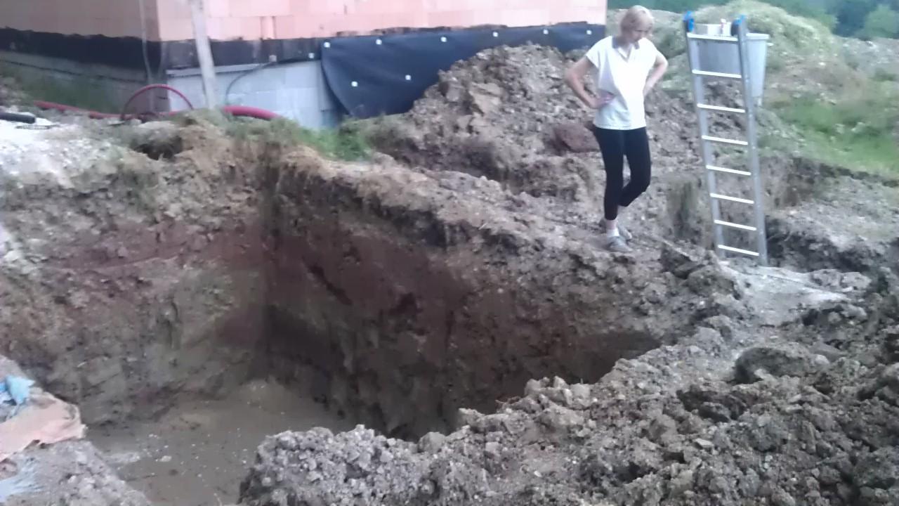 Tepelné čerpadlo - zemní práce - díra na septik