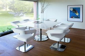 tyto židle, nebo nějaké podobné
