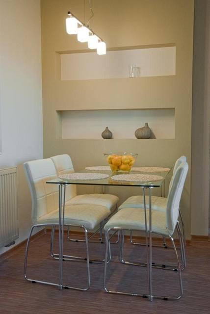 Obývací pokoj a kuchyn ispirace - v obývacím pokoji bude i jídelna, za stůl chci něco podobného, sloup pak bude pokračovat v podhled, ve kterém bude led osvětlení