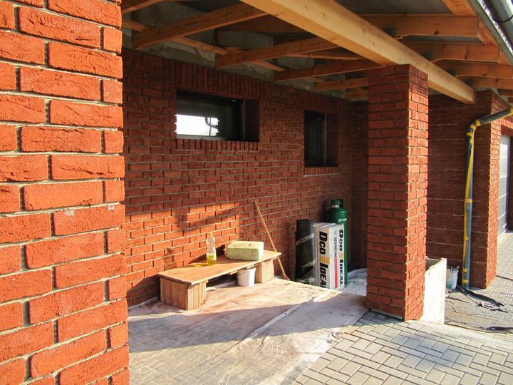 Stavba domu - detail obložení