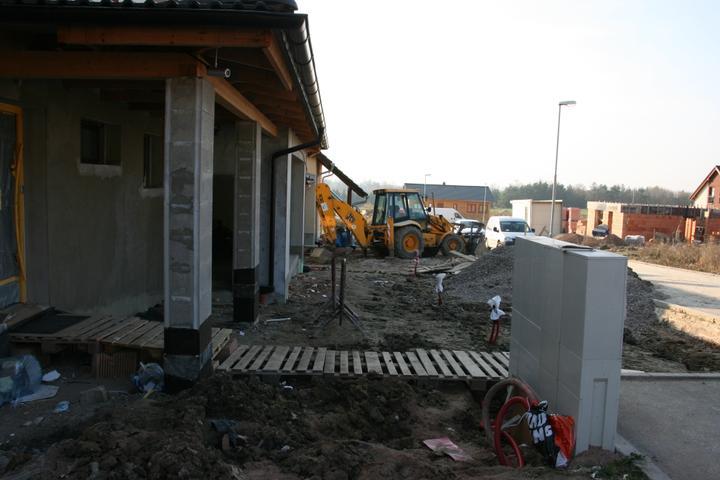 Stavba domu - 6.11.2011 stav při nastěhování do domu