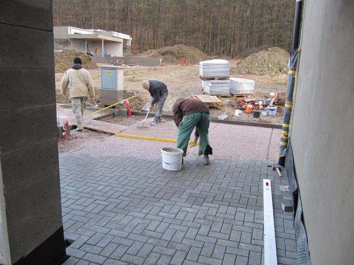 Stavba domu - 8.12.2011 pracuje se