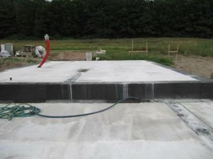 23.8.2010 hotový betonek