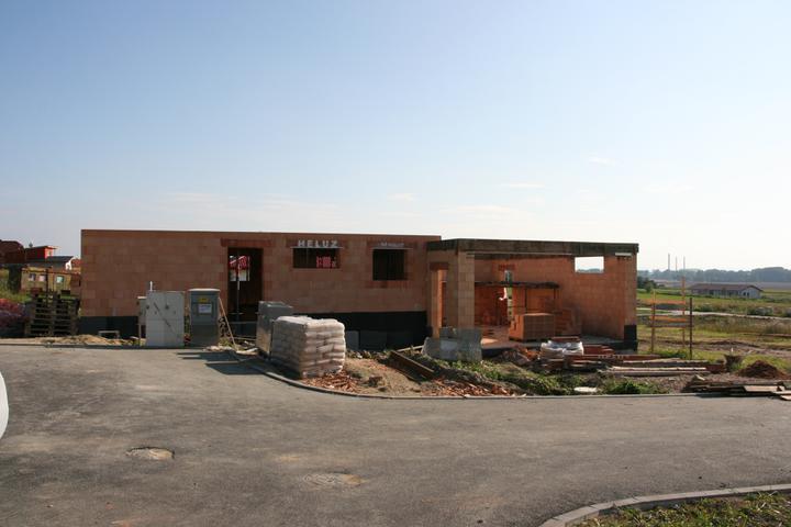 Stavba domu - 12.9.2010 i garáž připravena na zalití