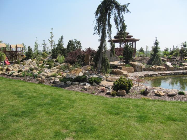 Zahrada - musim vymyslet, jak neco takoveho zrealizovat, ale tak 20x mensi :)