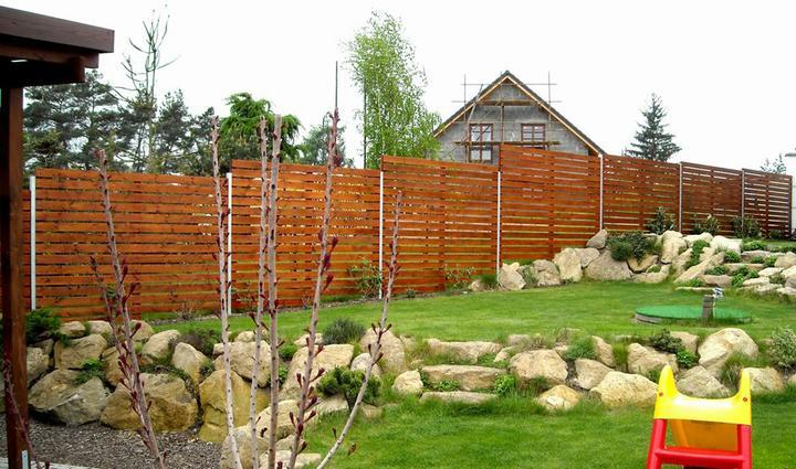 Zahrada - takto asi vyresime rozdil 80cm od terasy