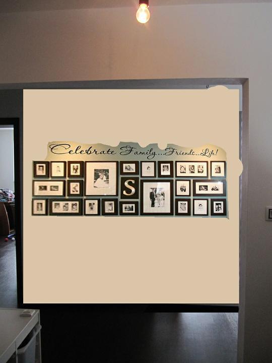 Skřín, šatna, chodba - fotky na stene, pohled od vstunich dveri
