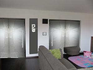 oboje dveře neprůhledné - co je lepsí?