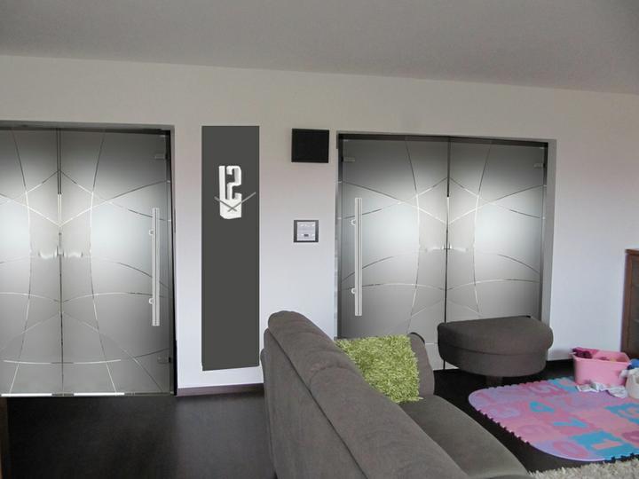 Obývací pokoj, jídelna a kuchyň realita - oboje dveře neprůhledné - co je lepsí?