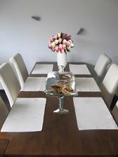 fotomontáž - vybírám tulipány a skleněný podnos