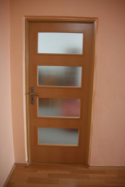 Byt - naše první společné bydlení - dveře do obyvaku