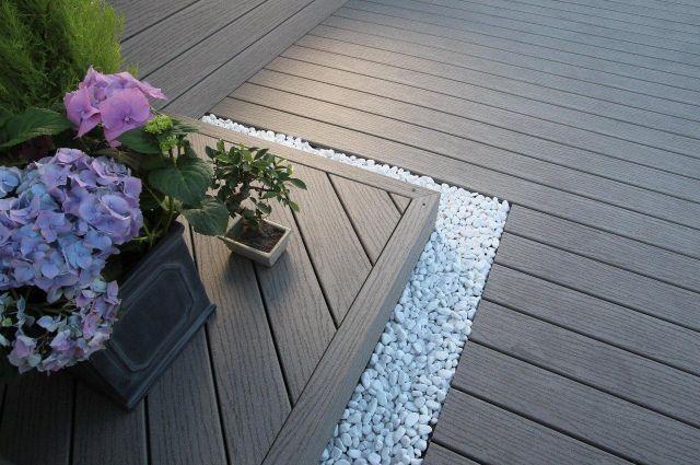 Zahrada - detail polozeni prken