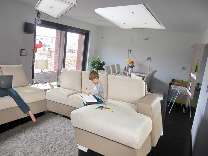 Obývací pokoj, jídelna a kuchyň realita - Obrázek č. 26
