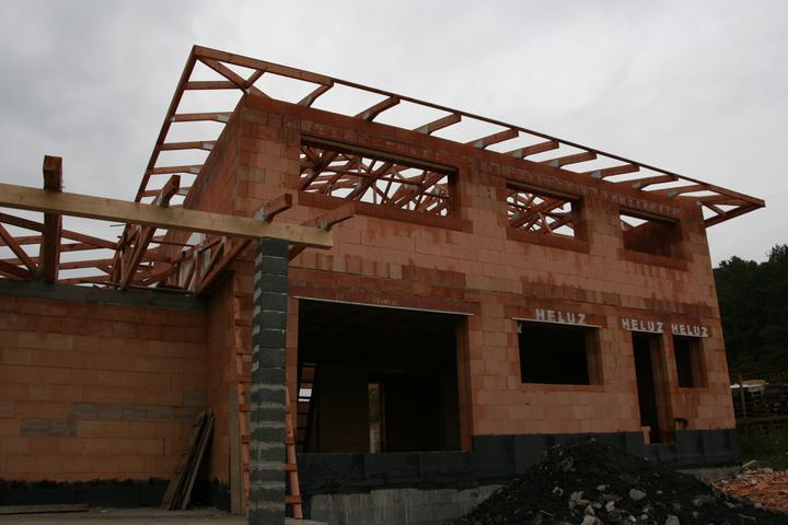 Stavba domu - 16.10.2010 střecha hotová