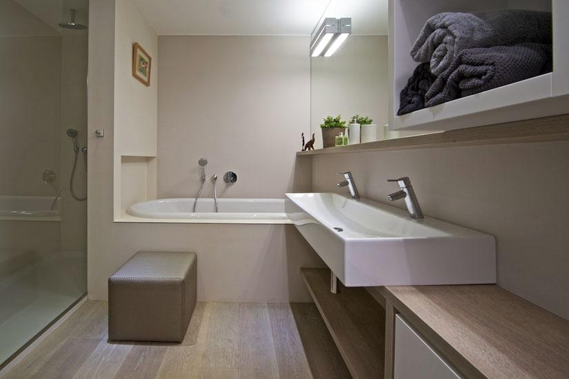 Mala panelakova koupelna - podobne umisteni by mohlo byt