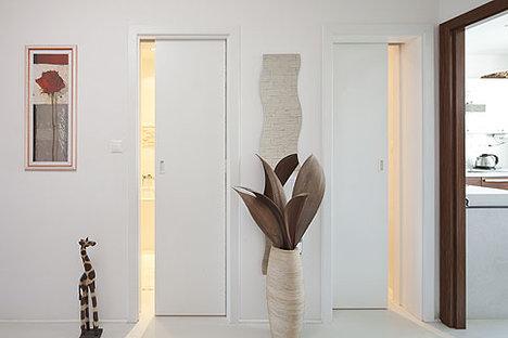 Mala panelakova koupelna - posuvne dvere
