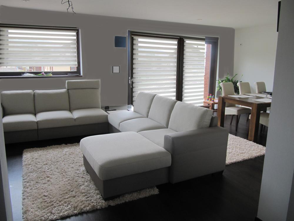 Obývací pokoj, jídelna a kuchyň realita - prosím o pomoc zastineni,.. zutulneni? vymalba + rolety den-noc