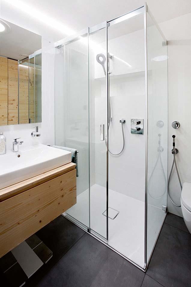 Mala panelakova koupelna - nika ve sprchaci