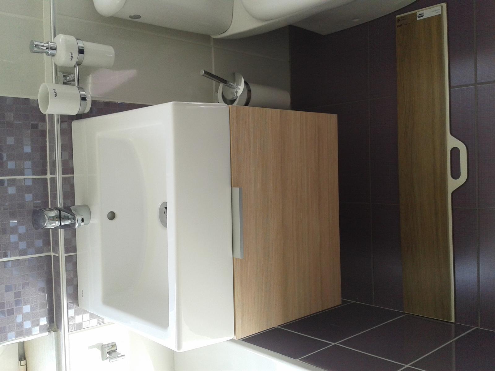 Mala panelakova koupelna - Obrázek č. 28