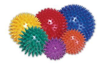 Masážní míček ježek, velikost do ruky - cena cca 50Kc v lekarnach, nebo na internetu zsz