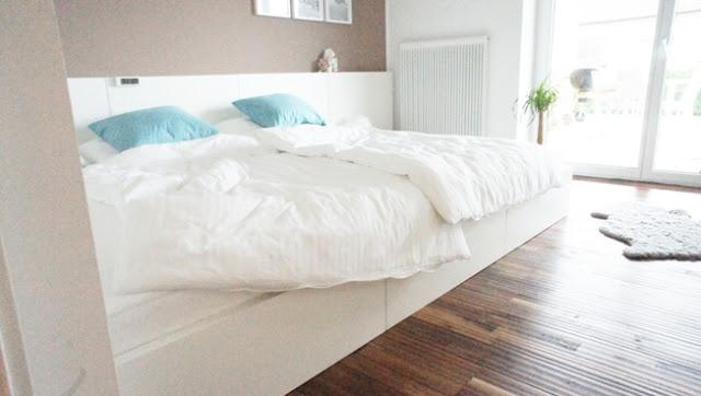 Ložnice - postel pro tři?