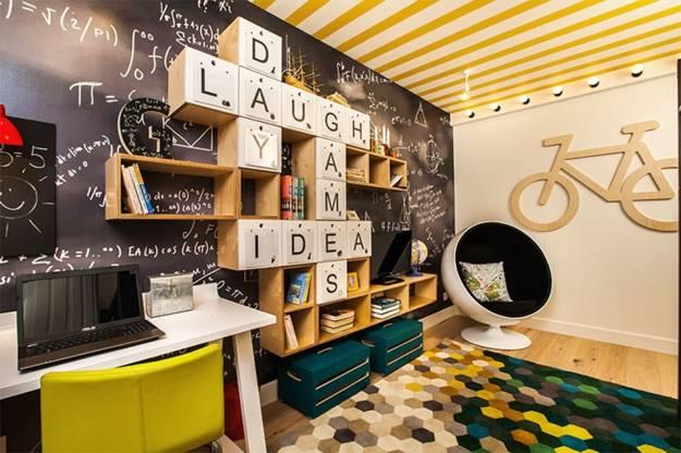 Pracovna, vestavěné skříně - žlutý strop?