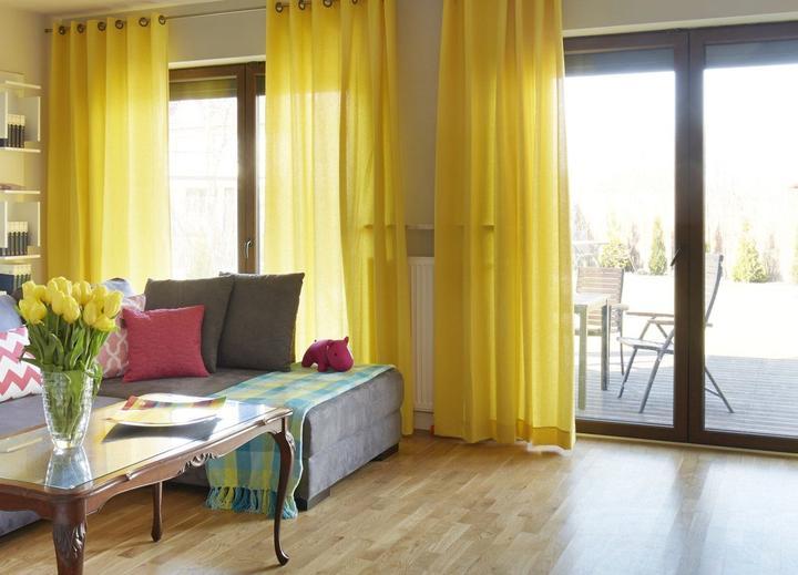 Pracovna, vestavěné skříně - žlutý závěs :)