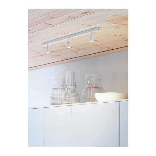Pracovna, vestavěné skříně - vybrané světlo ikea BÄVE - 999Kč