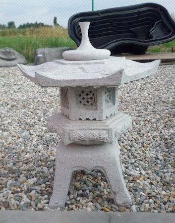 Zahrada - japonská lampa