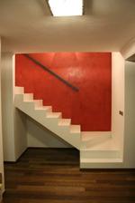 budeme mit bile schody - steny okolo schodu budou take bile