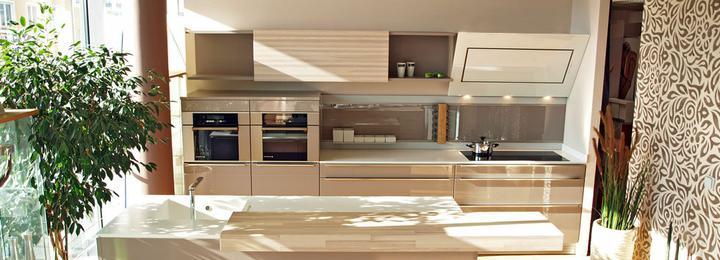 Obývací pokoj a kuchyn ispirace - zaměřeno na odsavač